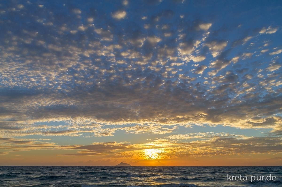 Sonnenuntergang in Kalamaki im Süden Kretas