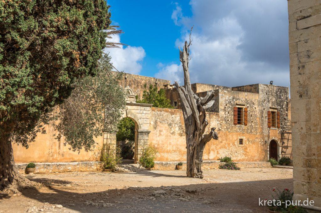 Kloster Arkadi, Stamm mit Kugel