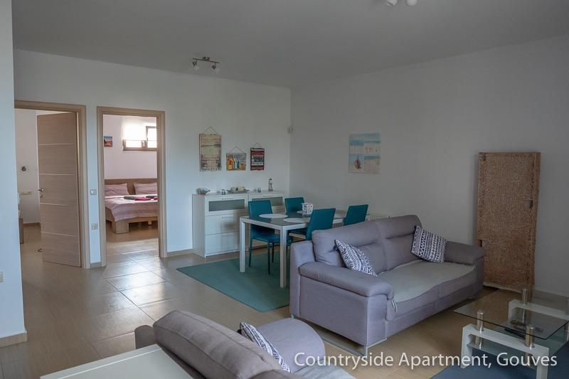 Countryside Apartment - Couchgarnitur und Essecke