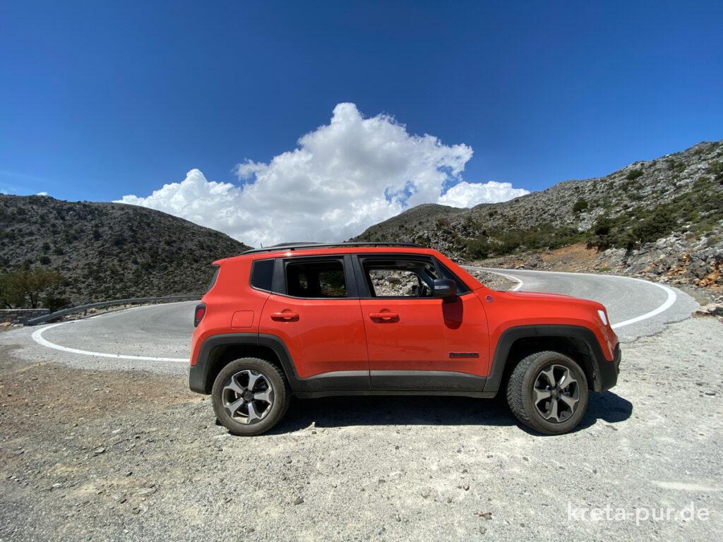 Unterwegs in den Bergen mit einem Mietwagen von The Best