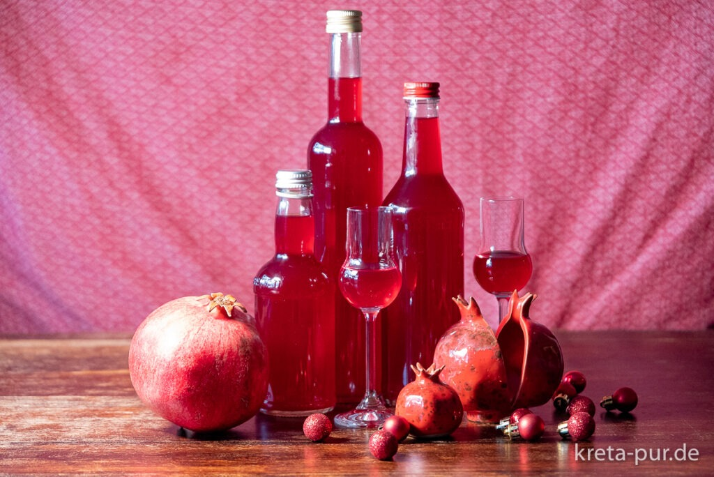 Das köstliche Endprodukt: selbst gemachter Granatapfel-Likör